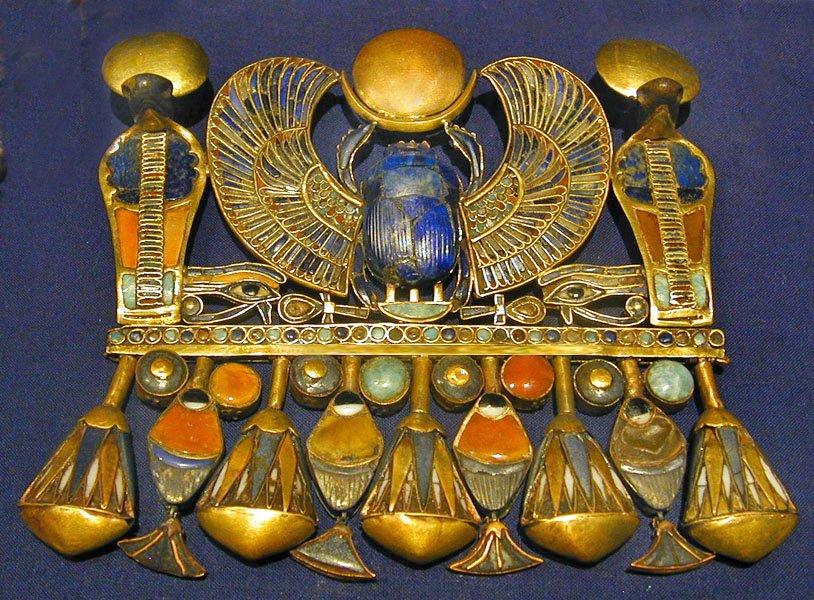 toutankhamon - Tutankhamun scarab1 - Toutankhamon à la fête